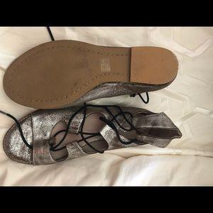 SEYCHELLES pewter leather open toe sandal size 10